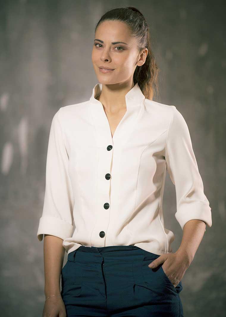 Camisa Aarati, Elena Bazán