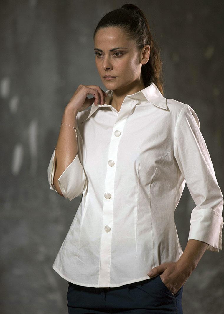 Camisa Bhawani, Elena Bazán