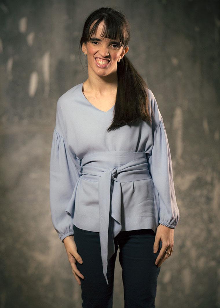Camisa Maya azul claro, Erika Luengo